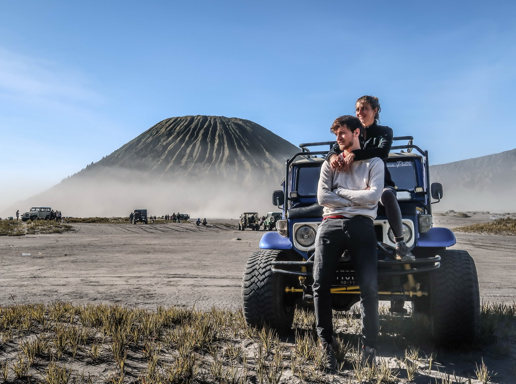 jeep in mount bromo_resize